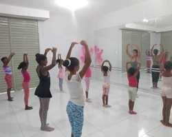 Prefeitura de Palmeirais oferece aulas de balé