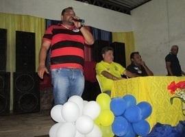João Mádson participa de passeata em São João da Sera