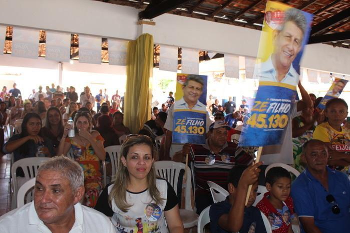 Populares participando da reunião (Crédito: Mikelson Deivid)
