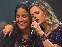 Sandy e Wanessa dividem palco: 'Como é bom te chamar de amiga'