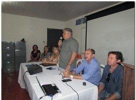 Prefeito Municipal se reúne com profissionais