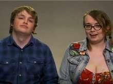 Apaixonado, casal choca: