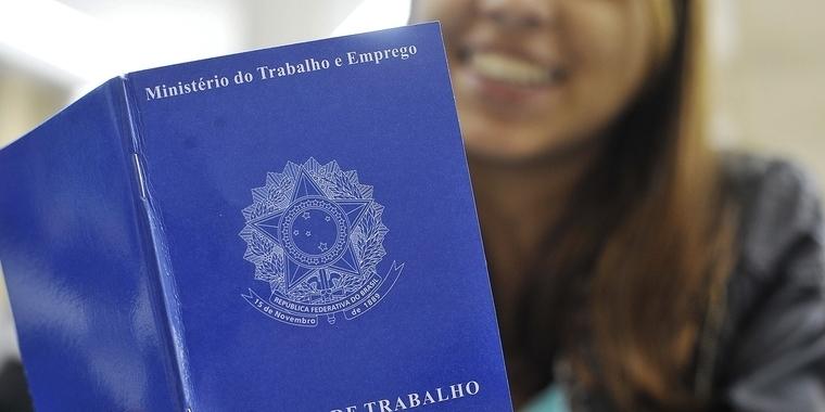 Brasil criou 110,4 mil empregos com carteira assinada em agosto