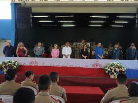 Alunos do Colégio Militar 2 de Julho recebem suas boinas