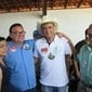 Herbet Torres e populares recepcionam dr Pessoa e Frank Aguiar