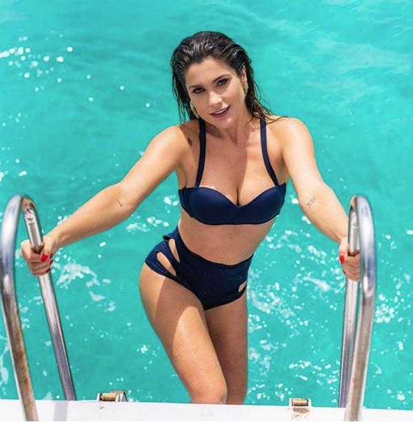 """Flávia Alessandra ostenta corpão em Arraial do Cabo e recebe elogios: """" Que perfeição"""""""