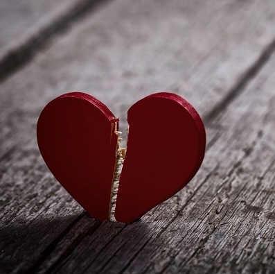 Estudo indica que é possível morrer de coração partido