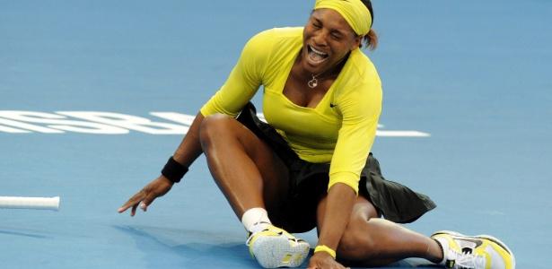 Serena é eliminada na Austrália após torcer o tornozelo