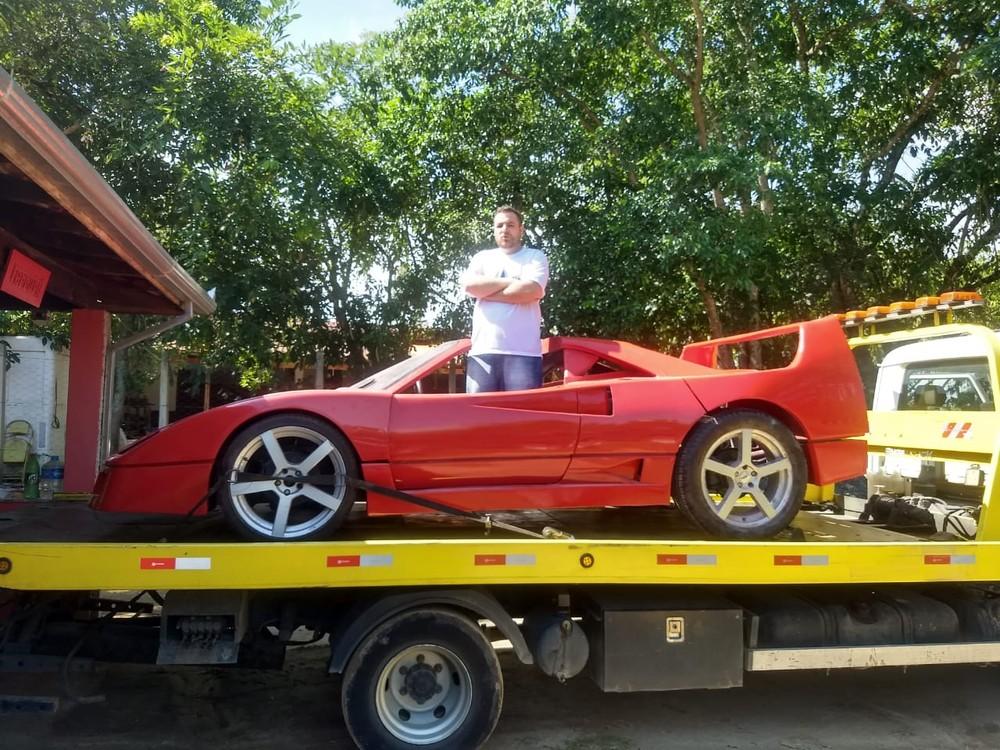 df9ed68164 Réplica é apreendida após Ferrari denunciar dentista por plágio em ...