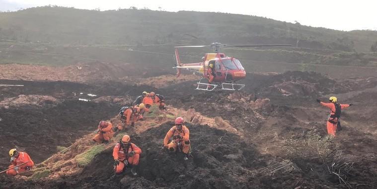 Bolsonaro segue para Brumadinho onde vai sobrevoar área do acidente