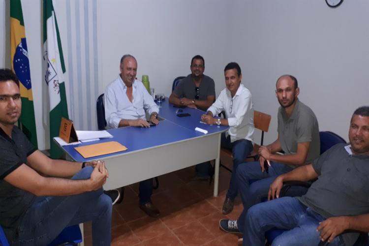 Prefeito de Avelino Lopes se reune com vereadores para discutir melhorias para a cidade - Imagem 1