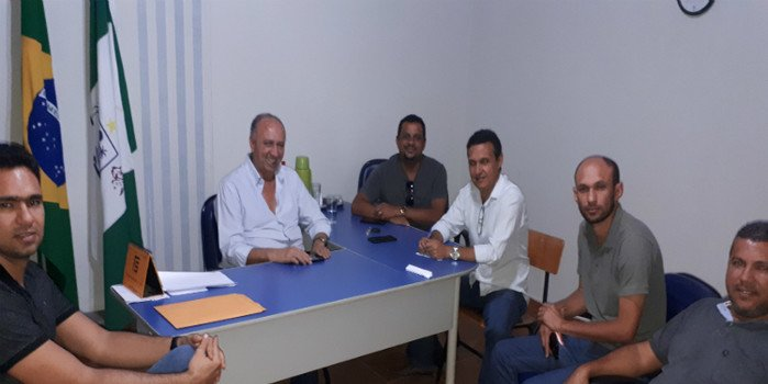 Prefeito de Avelino Lopes se reune com vereadores para discutir melhorias para a cidade