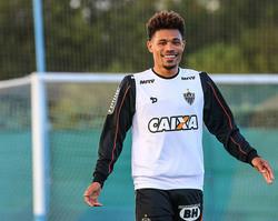 Júnior Urso pode voltar ao futebol brasileiro