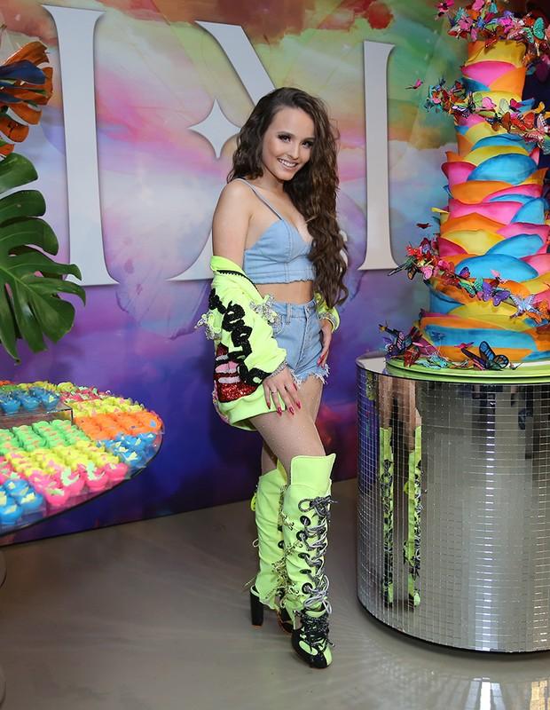 Larissa Manoela celebra 18 anos com festão em São Paulo (Foto  Manuela  Scarpa Brazil News) 28a47ad708