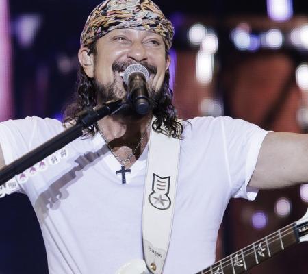 Fãs de Bell Marques falam da paixão pelo cantor e mostram novidades sobre ele