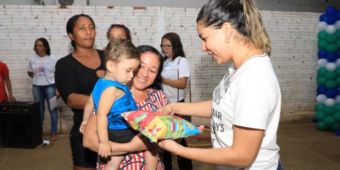 Crianças atendidas pelo Programa  Criança Feliz recebem festa comemorativa