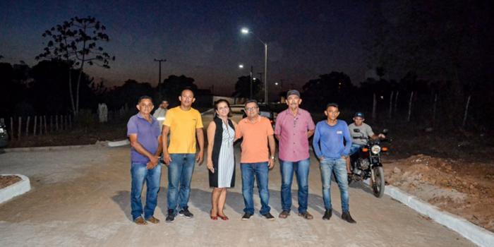 Prefeitura de Joaquim Pires entrega iluminação de LED aos moradores do Bairro Ferreirão