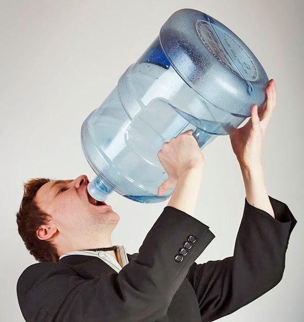 É verdade que beber muita água pode até matar? Confira! - Imagem 1