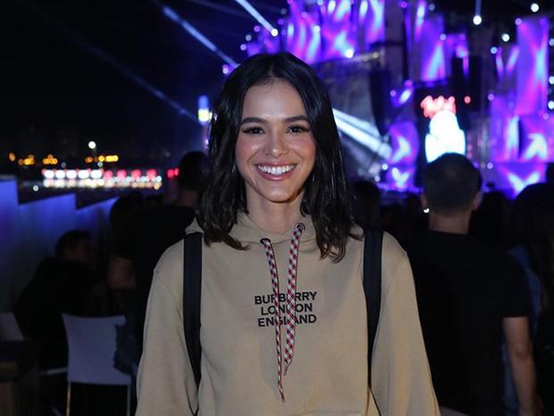Bruna Marquezine usa look colegial de mais de R$6,2 mil no Rock in Rio - Imagem 1