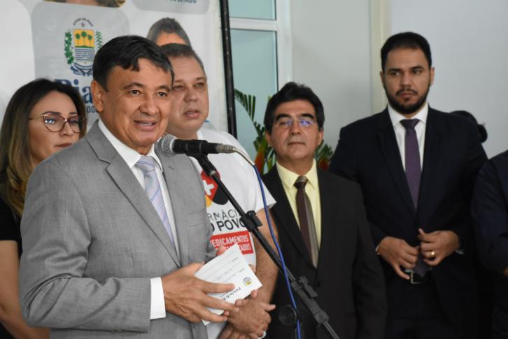 Wellington Dias inaugura Farmácia do Povo em Teresina - Imagem 4