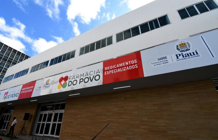 Wellington Dias inaugura Farmácia do Povo em Teresina - Imagem 2