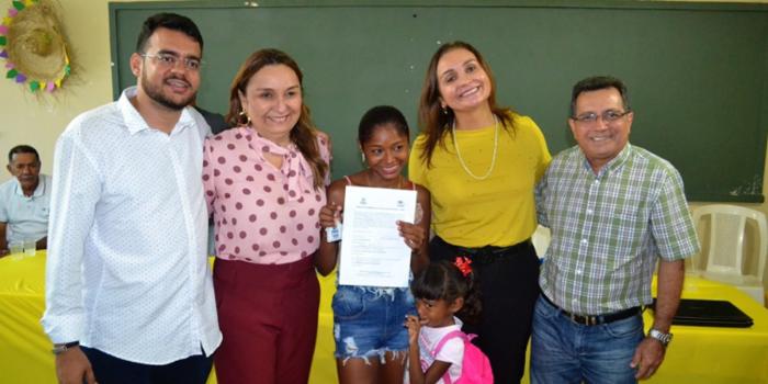 Moradores da zona rural de Joaquim Pires recebem casas pelo PNHR