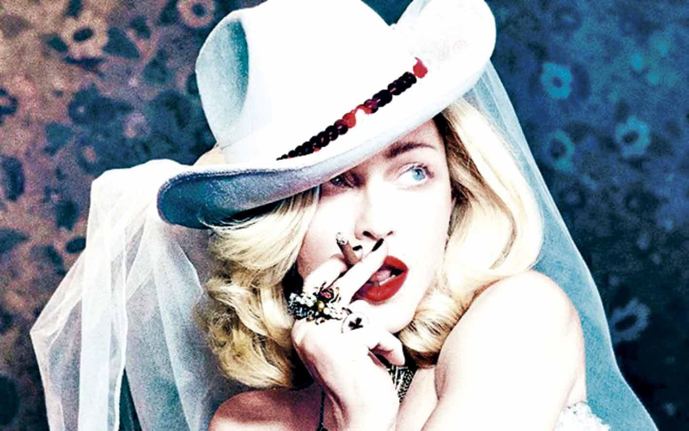"""Madonna surge """"bebendo urina"""" em xícara de chá - Imagem 1"""