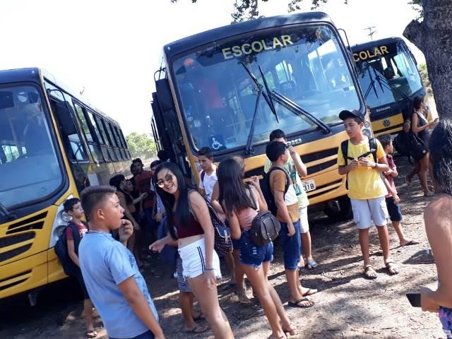 Secretaria de Assistência social de Dom Expedito Lopes promove confraternização para crianças e adolescentes. - Imagem 10