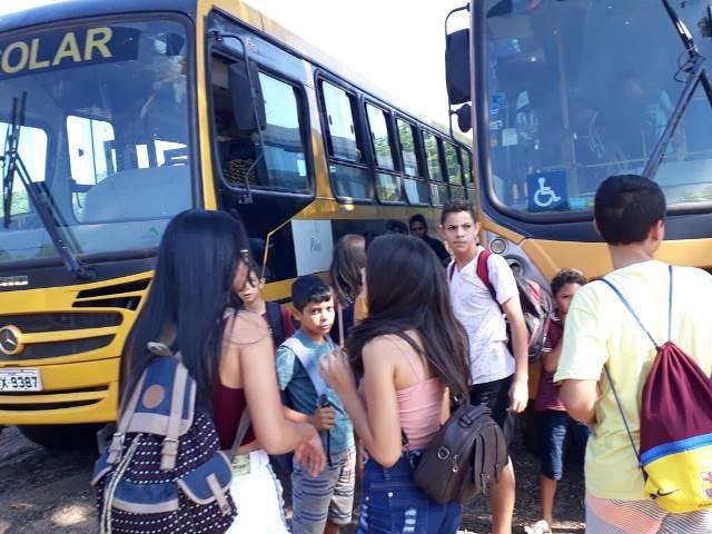 Secretaria de Assistência social de Dom Expedito Lopes promove confraternização para crianças e adolescentes. - Imagem 23