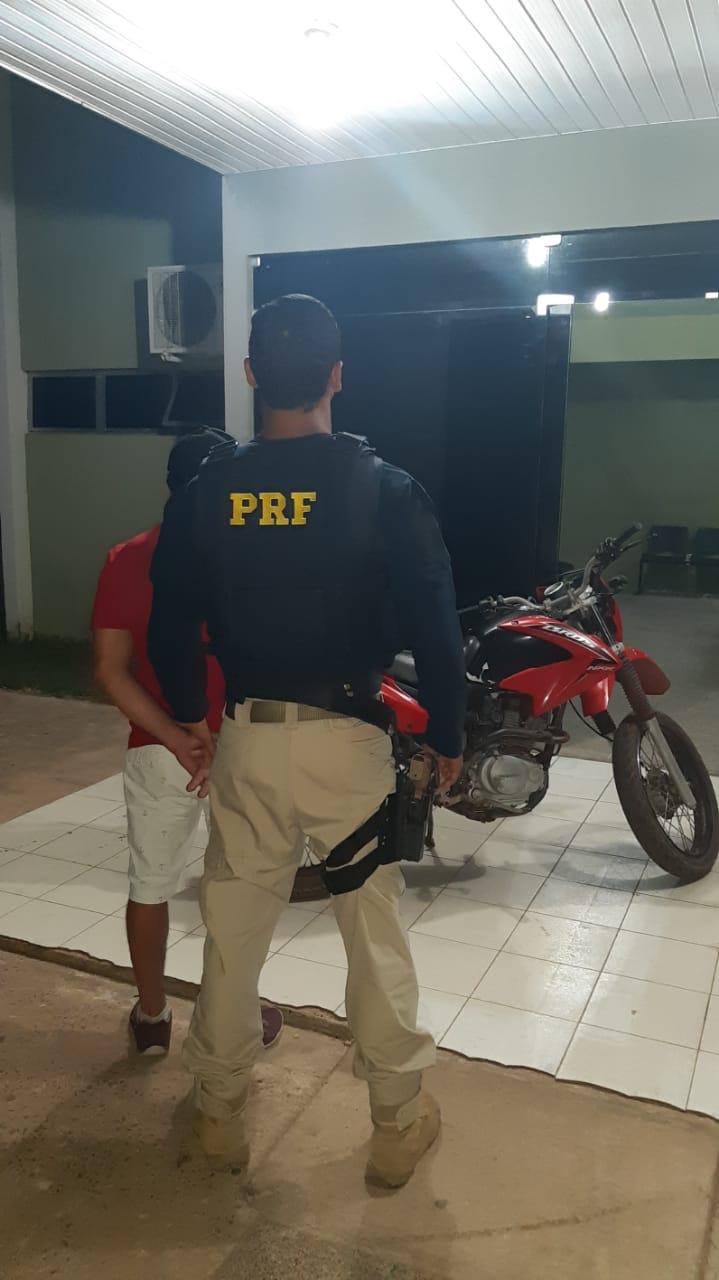 Idoso embriagado é preso com motocicleta clonada na BR-343 - Imagem 1