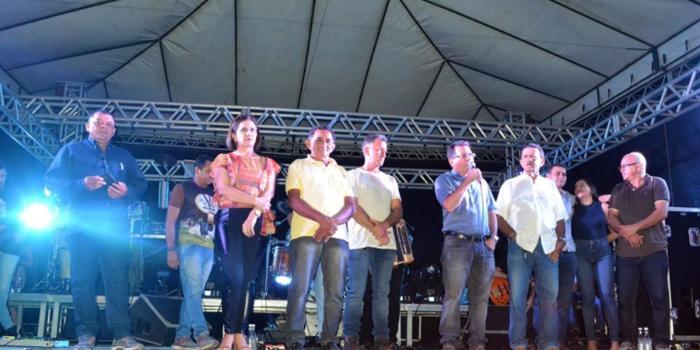 Prefeito Genival Bezerra faz abertura oficial da XII Expofeira de Caprinos e Ovinos