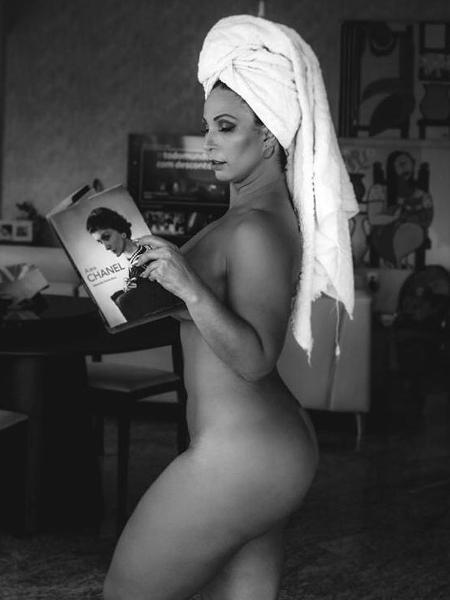 Valesca Popozuda deixa fãs babando em foto completamente nua - Imagem 1