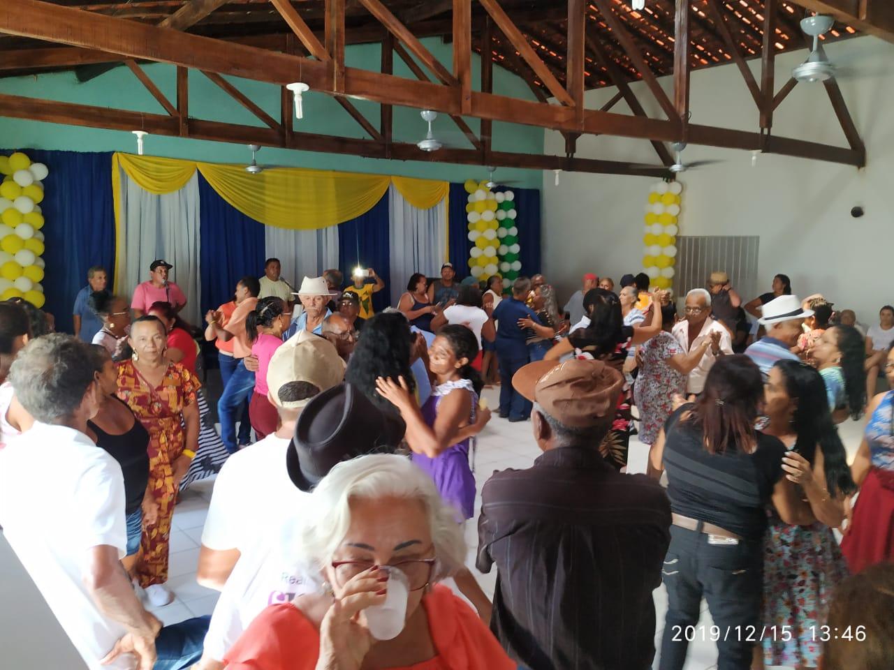 Com um grande baile prefeitura faz encerramento do tradicional Forró dos idosos em Monsenhor Gil  - Imagem 18
