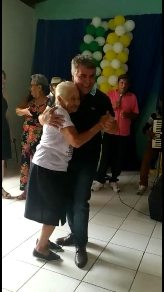 Com um grande baile prefeitura faz encerramento do tradicional Forró dos idosos em Monsenhor Gil  - Imagem 4