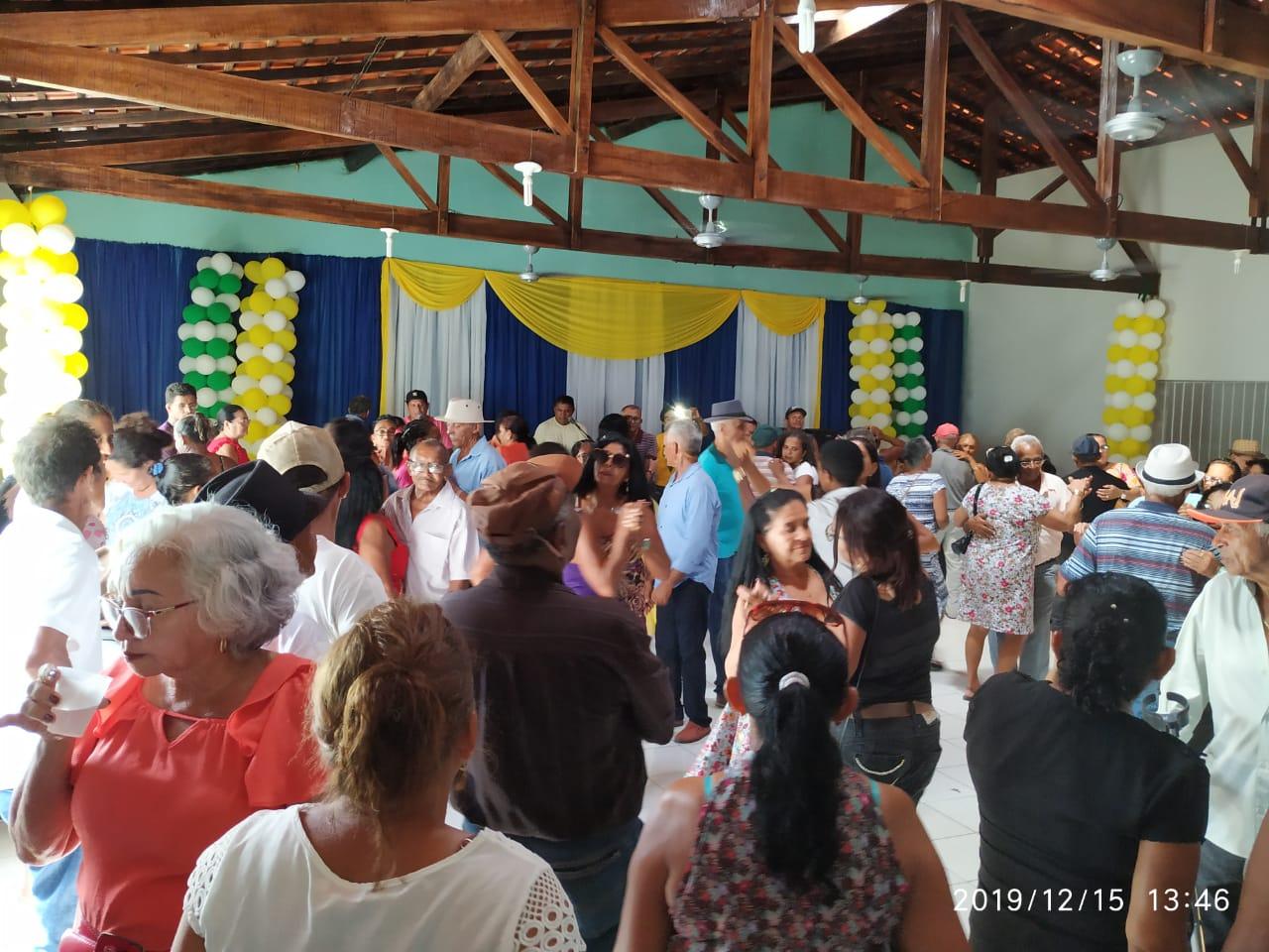 Com um grande baile prefeitura faz encerramento do tradicional Forró dos idosos em Monsenhor Gil  - Imagem 12