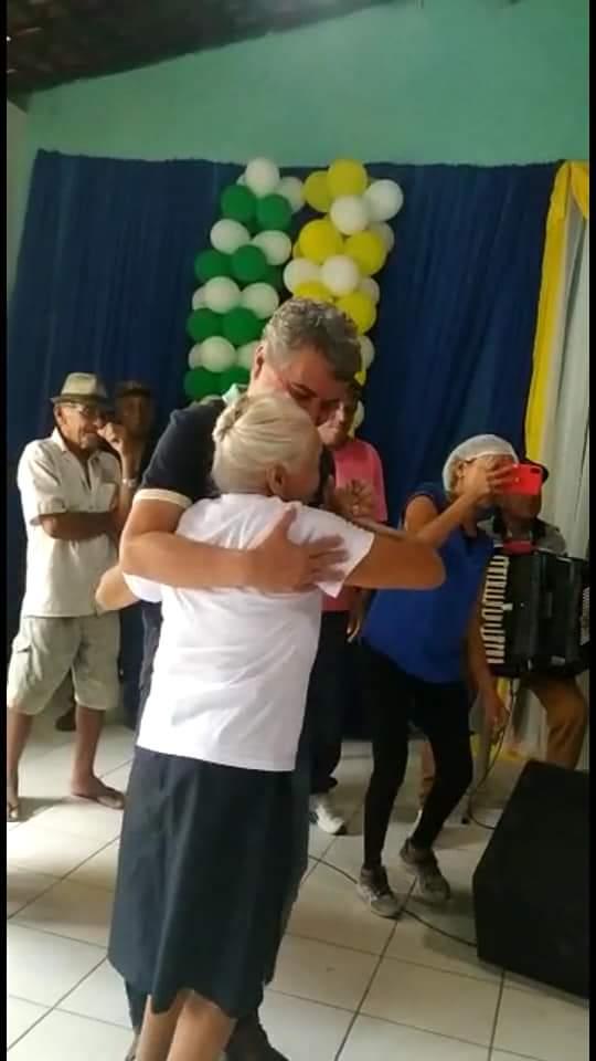 Com um grande baile prefeitura faz encerramento do tradicional Forró dos idosos em Monsenhor Gil  - Imagem 3