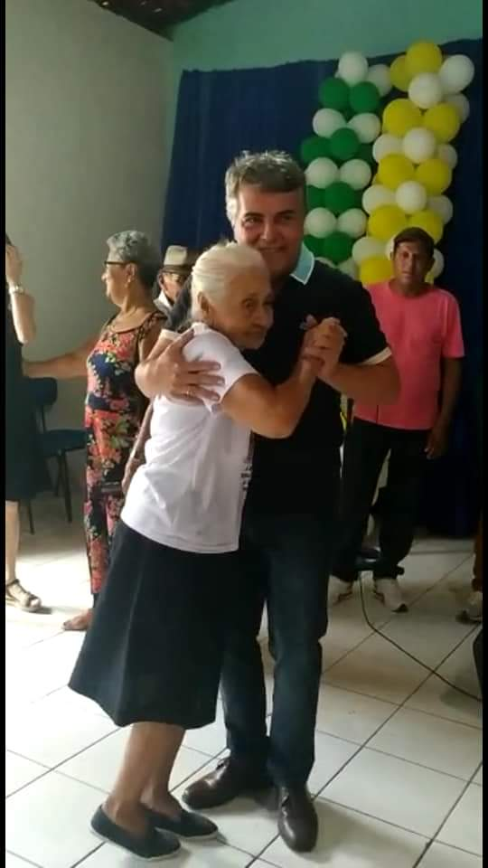 Com um grande baile prefeitura faz encerramento do tradicional Forró dos idosos em Monsenhor Gil  - Imagem 2