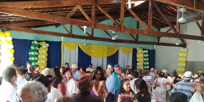 Com um grande baile prefeitura faz encerramento do tradicional Forró dos idosos em Monsenhor Gil