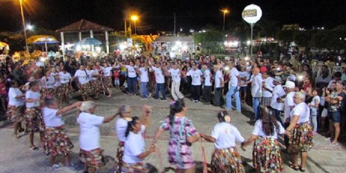 Grupo de idosos fazem abertura da Semana Cultural em ritmo de muita alegria e forró