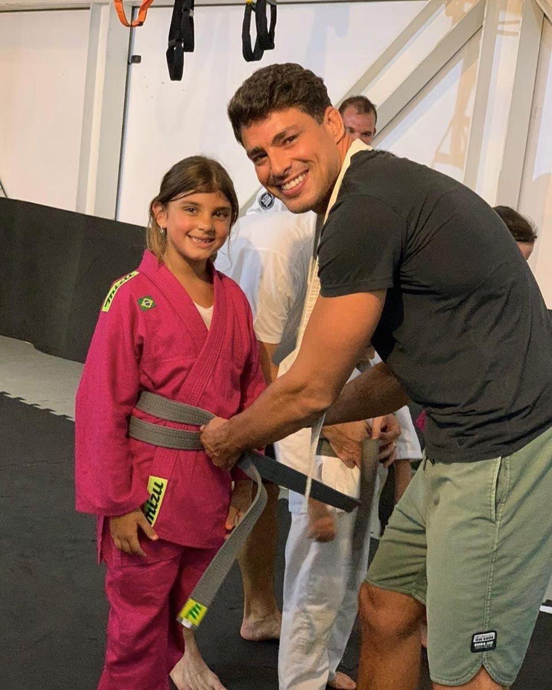 """Massafera reposta foto de Cauã Reymond com a filha: """"Pai e mãe babões"""" - Imagem 1"""