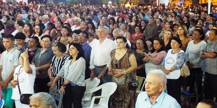 Aumenta o número de fiéis na sexta novena da Imaculada Conceição