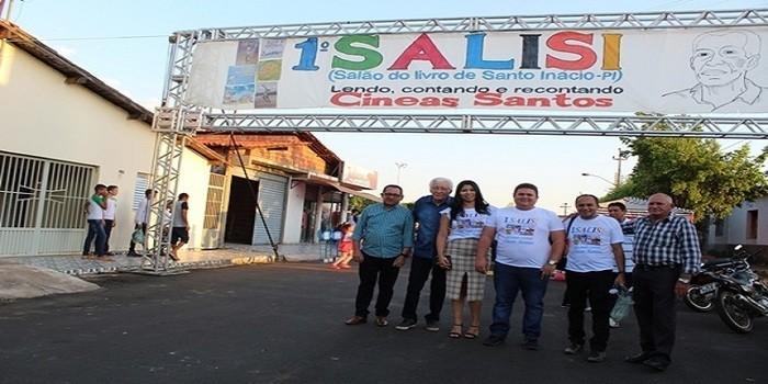 I Salão do Livro é realizado em Santo Inácio do Piauí com homenagem ao escritor Cineas Santos