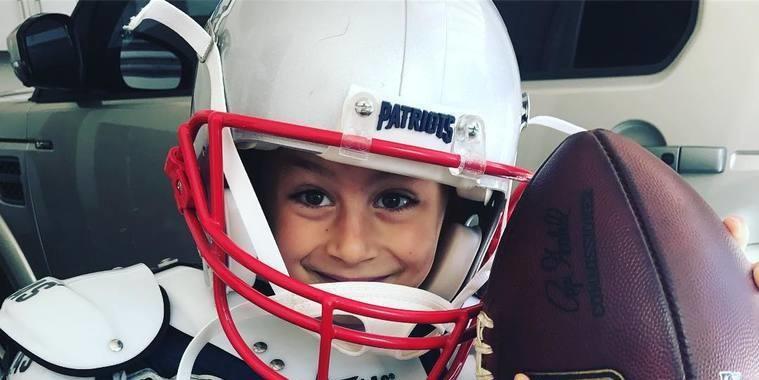 Filho de Tom Brady com Gisele Bündchen prefere artes do que esportes