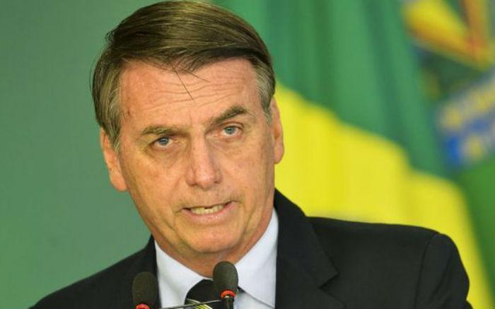 Luiz Fux suspende duas ações contra Bolsonaro até o fim do mandato