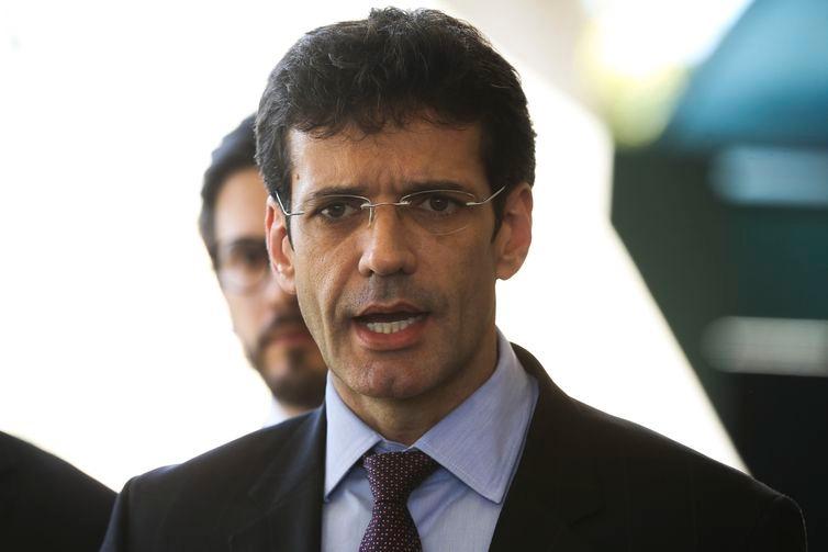 O futuro ministro do Turismo no governo de Jair Bolsonaro, deputado federal Marcelo Álvaro Antônio, fala à imprensa, no CCBB.