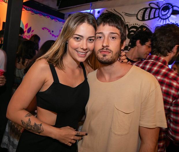 Ex de Neymar e mãe de Davi, Carol Dantas anuncia noivado