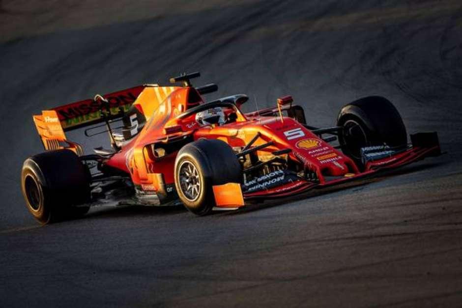 Alemão lidera a classificação no 1º teste em Barcelona