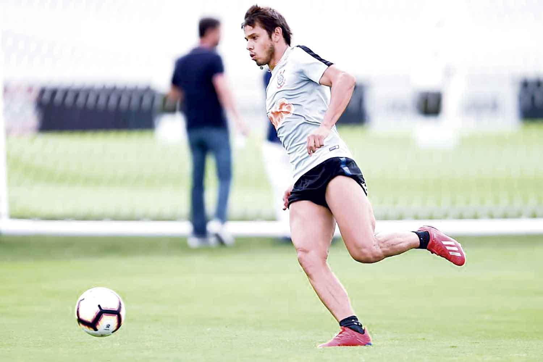 Corinthians se prepara sem o técnico Carille