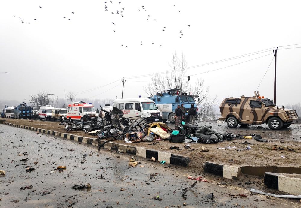 Soldados indianos morrem em confronto com rebeldes na Caxemira