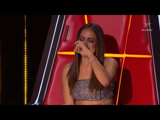 """Anitta cai no choro ao descobrir grave doença do """"melhor amigo"""""""